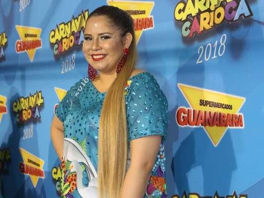 Marília Mendonça esteve no camarote Guanabara, na Marquês de Sapucaí, na noite desta segunda-feira, 12 de fevereiro de 2018