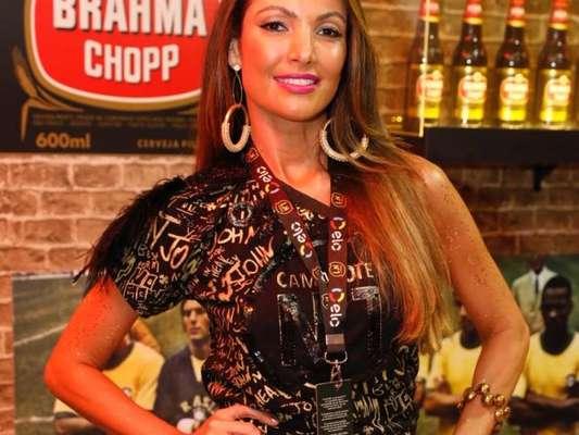 Patricia Poeta contou que já recebeu convites para desfilar no Carnaval na noite desta segunda-feira, 12 de fevereiro de 2018