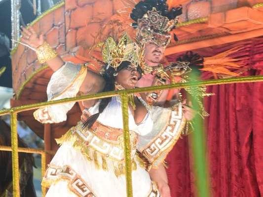 Jojo Toddynho foi destaque da Beija-Flor e conversou com o Purepeople sobre o sonho de fazer parcerias no próximo Carnaval. Veja!