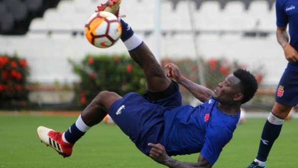 Confira a seguir a galeria especial do LANCE! com imagens do treino do Vasco nesta terça-feira em São Januário