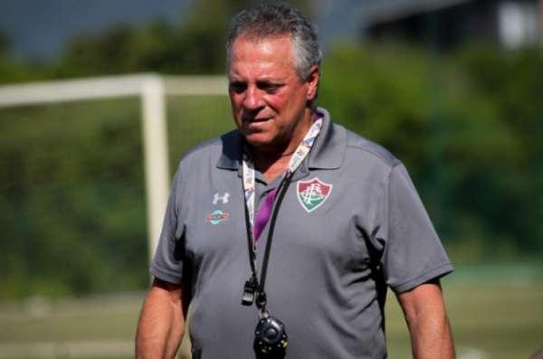 Abel Braga comanda treino no CT Pedro Antonio