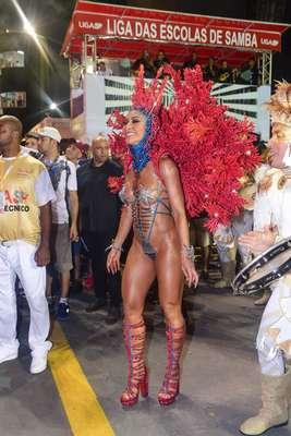 Sabrina Sato brilhou em São Paulo e o no Rio