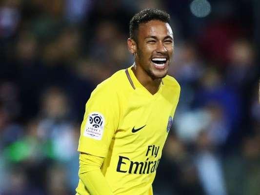 Neymar demonstra otimismo após ter cirurgia em fissura confirmada nesta quarta-feira, dia 28 de fevereiro de 2018