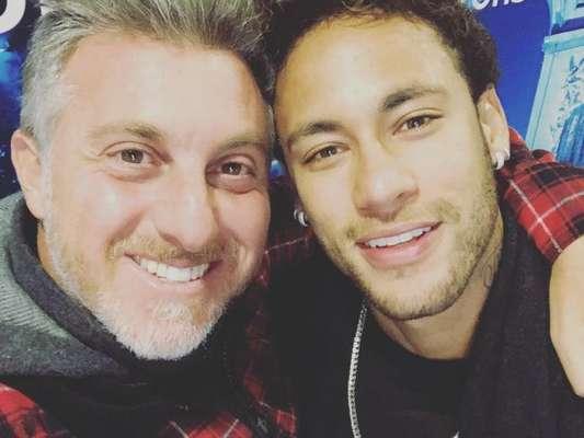 Luciano Huck mandou uma mensagem de apoio a Neymar durante o seu programa, 'Caldeirão do Huck', deste sábado, 3 de março de 2018