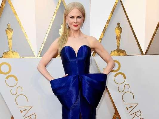 Nicole Kidman brilha ao desfilar sobre o tapete vermelho da 90ª edição do Oscar, realizado em Hollywood, California, neste domingo, 4 de março de 2018