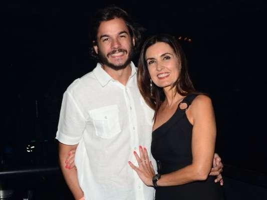 Fátima Bernardes e o namorado, Túlio Gadelha, compartilharam fotos da viagem para Maracaípe no Instagram