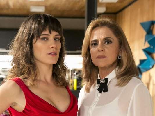 Sophia (Marieta Severo) e Clara (Bianca Bin) se estapeiam nos próximos capítulos da novela 'O Outro Lado do Paraíso'. 'Louca!', dispara a vilã, adianta o colunista de TV Daniel Castro nesta quarta-feira, 28 de março de 2018