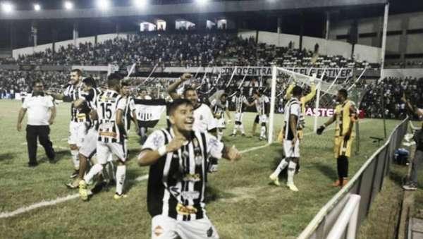 Central comemora a classificação para a final do Campeonato Pernambucano