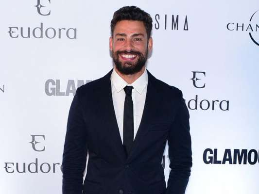 Cauã Reymond prestigia mais uma edição do prêmio Geração Glamour, realizado na Casa Charlô, em São Paulo, na noite desta quarta-feira, 4 de abril de 2018