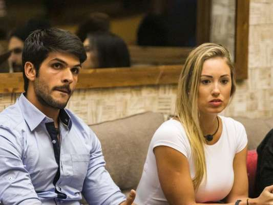 Eliminada do 'BBB18', Jéssica lamentou fim do noivado de Lucas durante o 'Mais Você' desta quarta-feira, 11 de abril de 2018: 'Não queria'