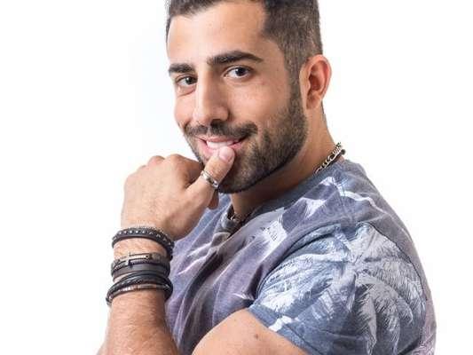 Tio de Kaysar, Nassib Abage conversou com Purepeople e negou que o sírio esteja atuando no 'BBB18'