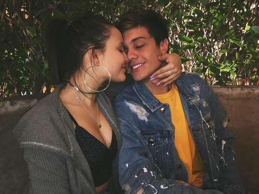 Larissa Manoela e Leo Cidade trocam declarações no Instagram