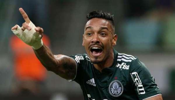 Antônio Carlos reclama de gol mal anulado em Palmeiras 0x0 Chapecoense