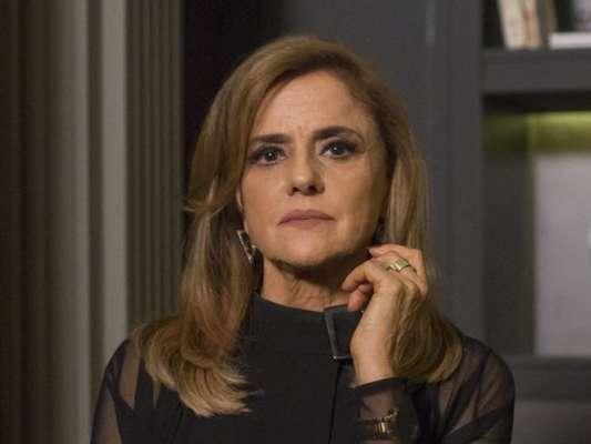 Sophia (Marieta Severo) se desespera ao ser internada em hospício no último capítulo da novela 'O Outro Lado do Paraíso'