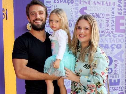 Filha de Mariana Bridi e Rafael Cardoso, Aurora, de 2 anos, fez declaração de amor ao irmão, Valentim