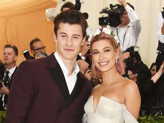 Shawn Mendes e Hailey Baldwin estão namorando? Segundo o cantor, é só amizade!
