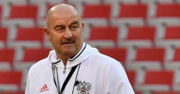Stanislav Cherchesov dirige a seleção russa