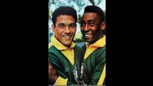 Garrincha e Pelé formaram uma das duplas mais importantes de toda a história do futebol. Juntos, ganharam duas Copas do Mundo.