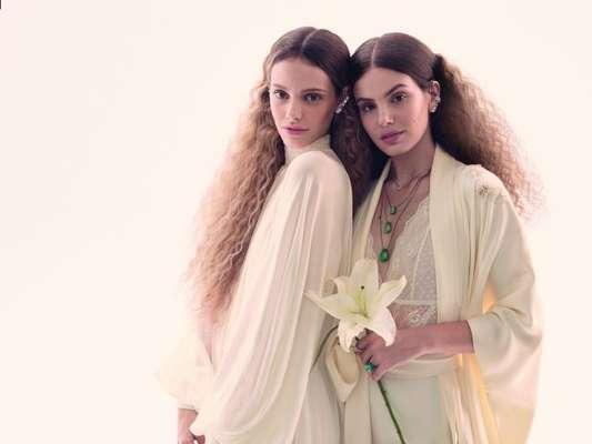 Camila Queiroz e Laura Neiva contaram detalhes das cerimônias, que serão realizadas em 2018, à revista 'Vogue Noiva'