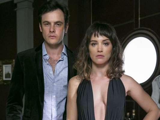 Sergio Guizé elogiou o trabalho de Bianca Bin na novela 'O Outro Lado do Paraíso' durante entrevista a um programa em Portugal