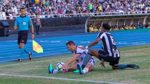 Imagens de Botafogo 1 x 1 Vitória