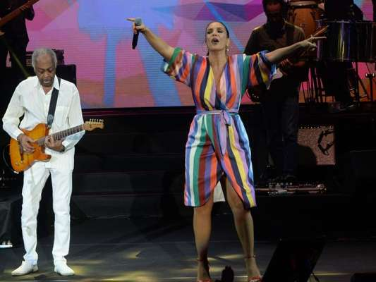 Ivete Sangalo subiu ao palco com Gilberto Gil na noite de sexta-feira, 1 de junho de 2018