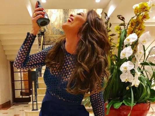Juliana Paes comemorou o troféu de Melhor Atriz no prêmio APCA: 'Estou tão feliz'