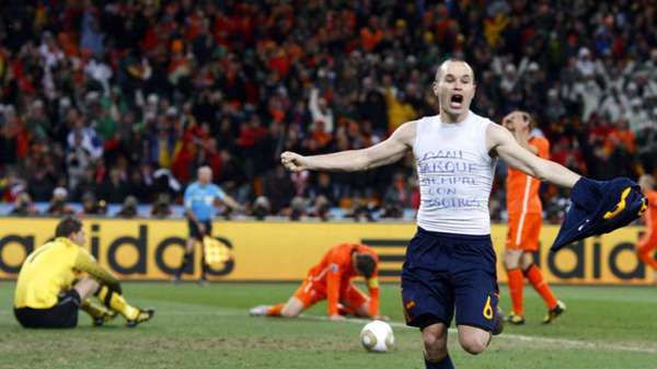 Em 2010, Espanha venceu a Holanda na final