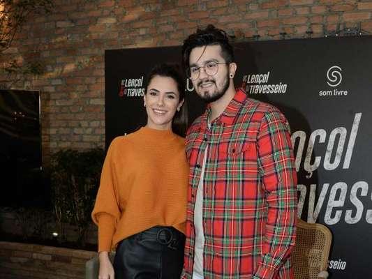 Luan Santana viajou com a namorada, Jade Magalhães, para o Nordeste