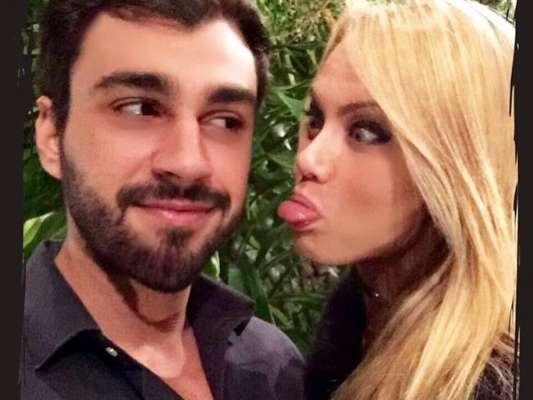 Ellen Rocche anunciou a reconciliação com o nutricionista Rogério Oliveira no Dia dos Namorados, comemorado nesta terça-feira, 12 de junho de 2018