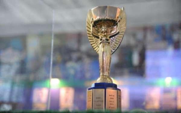 Taça Jules Rimet ficou em definitivo com o Brasil após título de 70