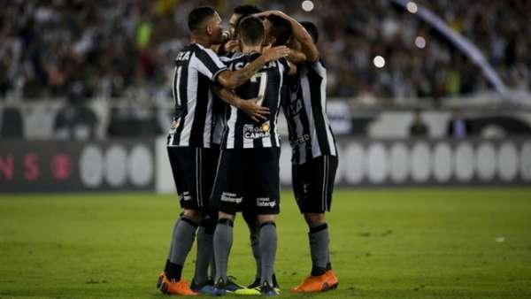 Imagens de Botafogo 2 x 0 Atlético-PR