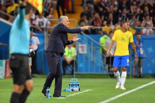 Tite não ficou satisfeito com a atuação da arbitragem em Rostov. Para ele, Miranda sofreu falta clara de Zuber antes do gol