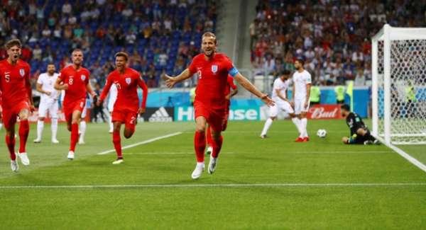 Veja imagens de Kane contra Tunísia