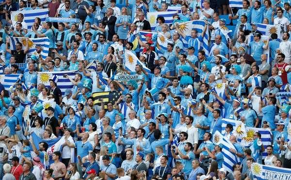 Torcida uruguaia deu um show nas arquibancadas de Rostov, antes do jogo contra a Arábia Saudita