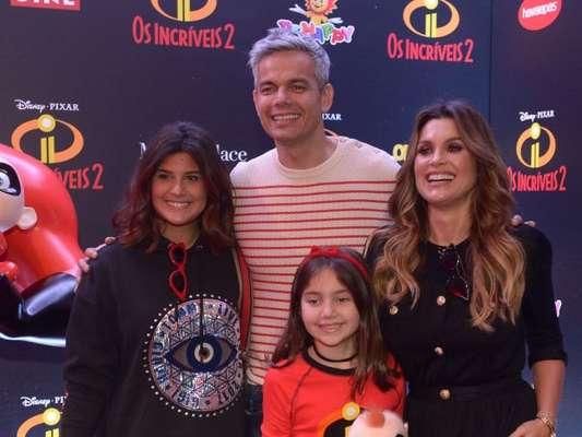 Flávia Alessandra e filha Giulia Costa exibem novos visuais em pré-estreia neste sábado, dia 23 de junho de 2018