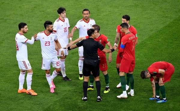 Confusão entre jogadores de Irã e Portugal