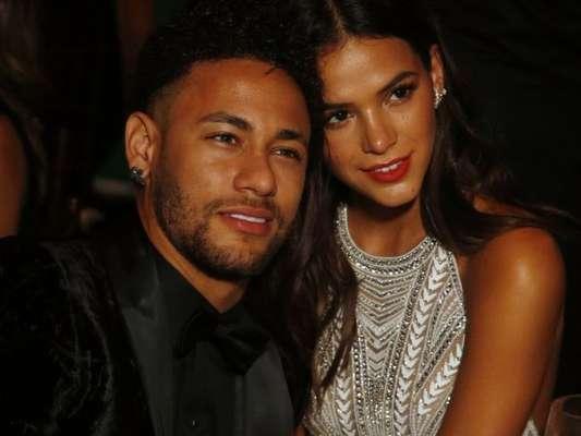 Neymar 'deu bronca' em Bruna Marquezine por compartilhar uma foto de lingerie, em seu Instagram, nesta quinta-feira, 28 de junho de 2018