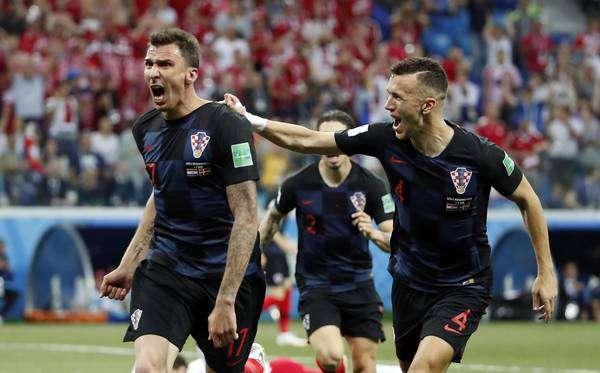 Croácia joga mal, mas tira Dinamarca nos pênaltis