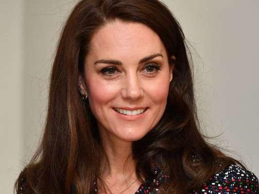 Kate Middleton não está grávida de 4º filho, afirma porta-voz da realeza a site americano