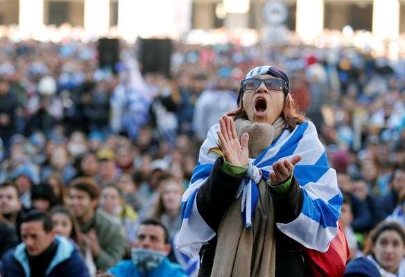Torcida do Uruguai lamentou eliminação em Montevidéu