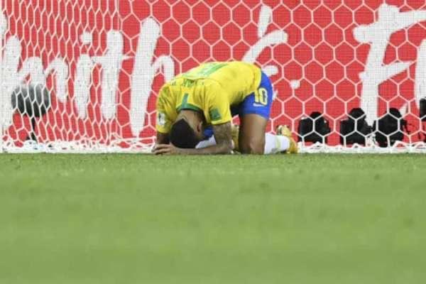 Na eliminação para a Bélgica, Neymar fez seu décimo jogo em Copa do Mundo. Ele estreou em em 2014, mas não esteve presente nos vexatórios 7 a 1 para a Alemanha em razão da lesão que sofreu diante da Colômbia, nas quartas de final; confira nas próximas fotos as dez partidas