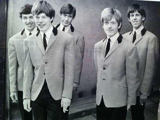 Rolling Stones - Os Rolling Stones, que completam 54 anos no dia 12 de julho de 2016, têm muita história para contar. Veja 20 momentos da banda e de seus atuais e antigos integrantes