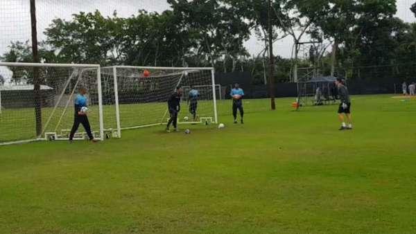 Treino do Vasco desta terça-feira com os goleiros sem Martin Silva. Veja a seguir a galeria especial do LANCE!