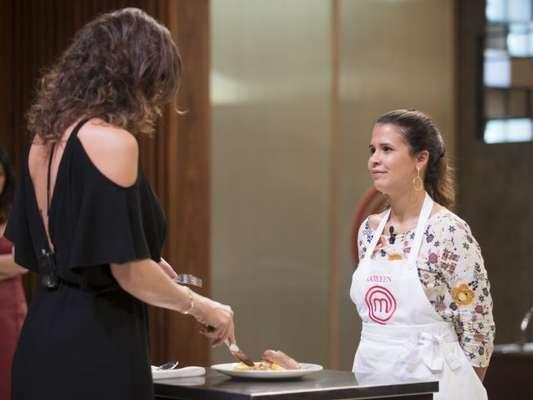 Paola Carosella foi criticada devido à avaliação feita do prato cozinhado por Katleen Lacerda no 'Masterchef Brasil' desta terça-feira, dia 10 de julho de 2018