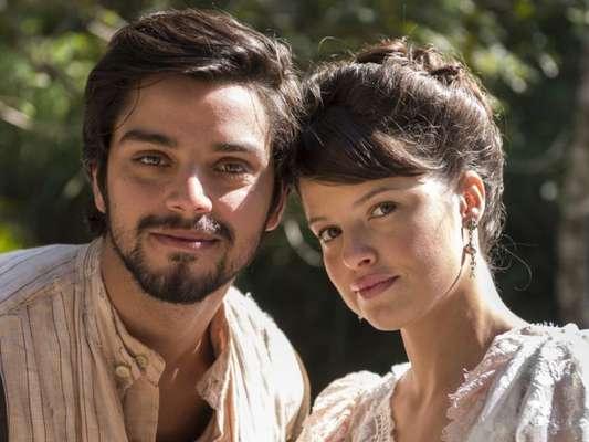 Ema (Agatha Moreira) se emociona ao ser pedida em casamento por Ernesto (Rodrigo Simas) nos próximos capítulos da novela 'Orgulho e Paixão'