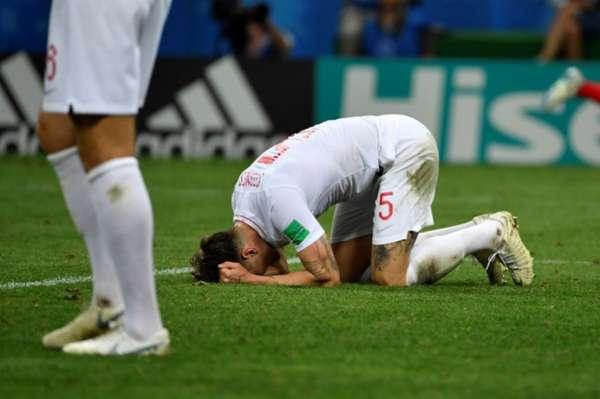 A Inglaterra perdeu a chance de voltar a uma final após 52 anos. Com gol de Mandzukic na prorrogação, a Croácia venceu por 2 a 1, em Moscou. Trippier fez de falta e foi o melhor dos britânicos em campo. Stones falhou no lance decisivo da partida