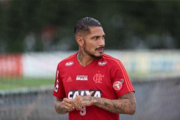 De volta após o Mundial, Guerrero deve disputar últimos jogos pelo Flamengo