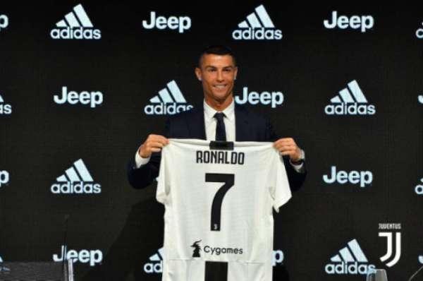 Após nove anos no Real Madrid, CR7 se transferiu para a Juventus em uma transação de 117 milhões de euros