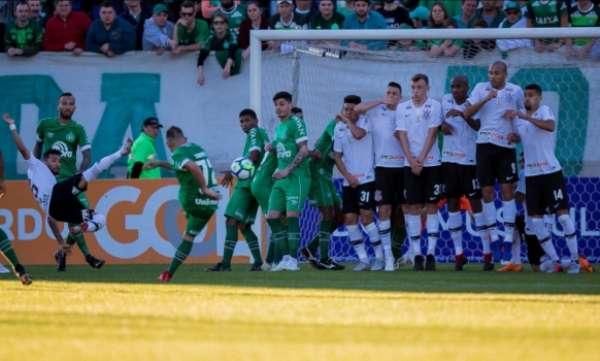 Último encontro: Chapecoense 2 x 1 Corinthians - 18ª rodada do Brasileirão